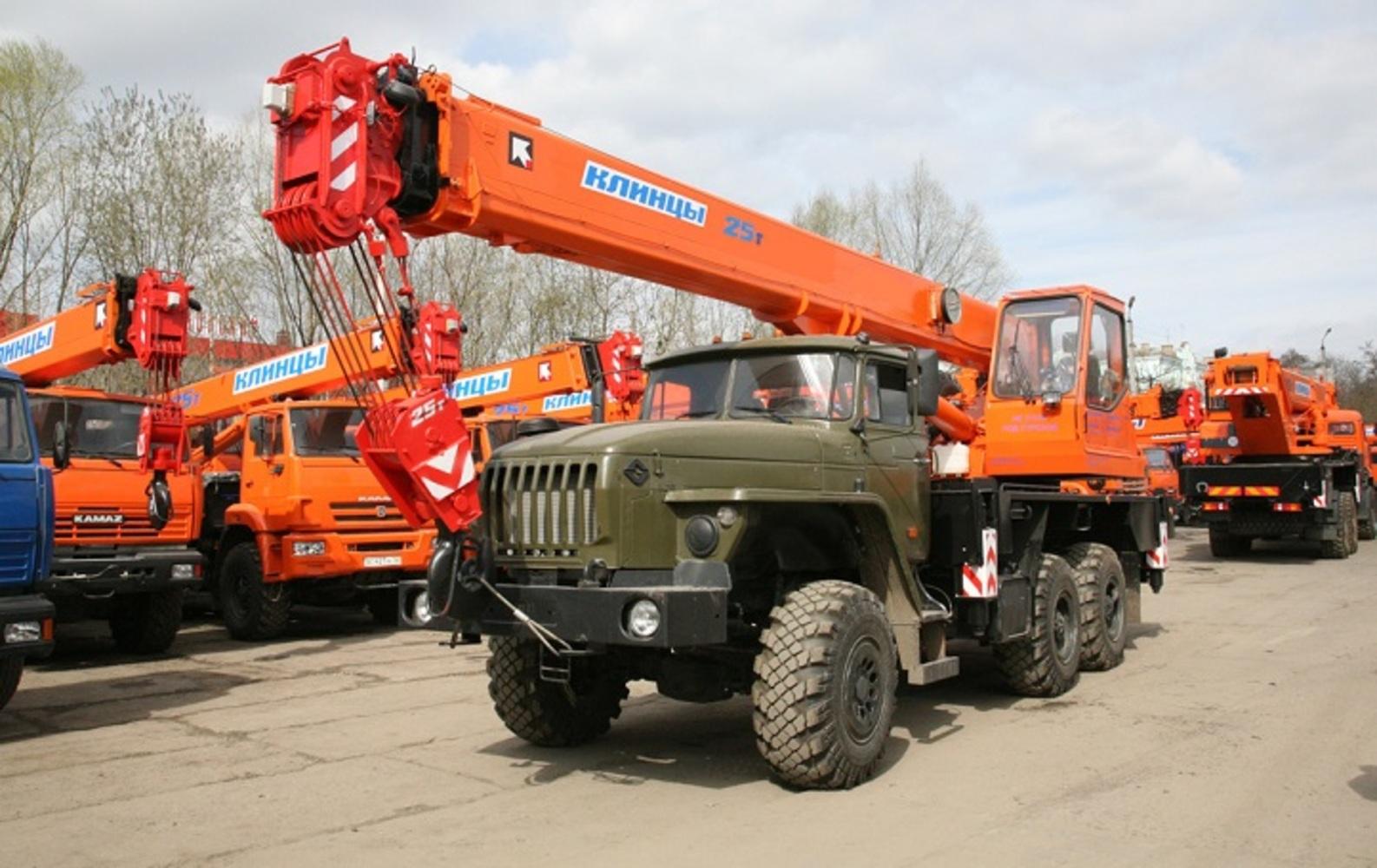 Клинцы КС-55713-3К-1 на шасси Урал 5557 (Гексогональная)