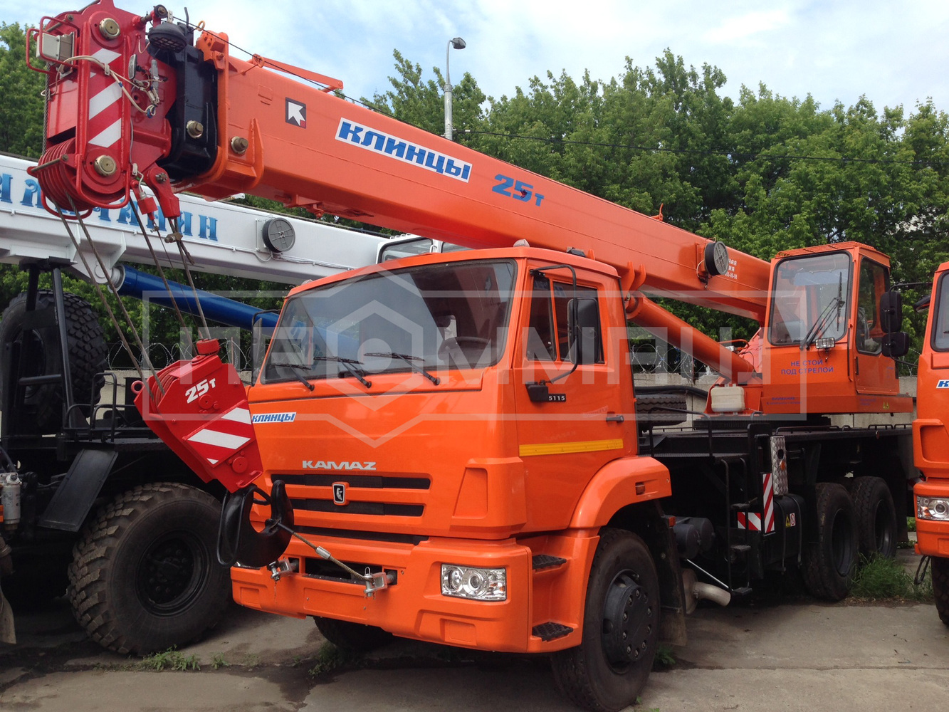 Клинцы КС-55713-1К-3 на шасси КамАЗ 65115 (Гексогональная)
