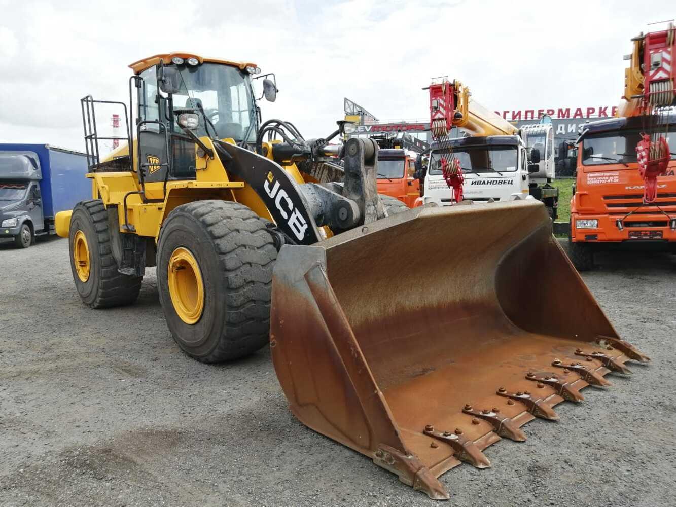 Фронтальный-погрузчик JCB 467 ZX, г.п. 7,5 тонн
