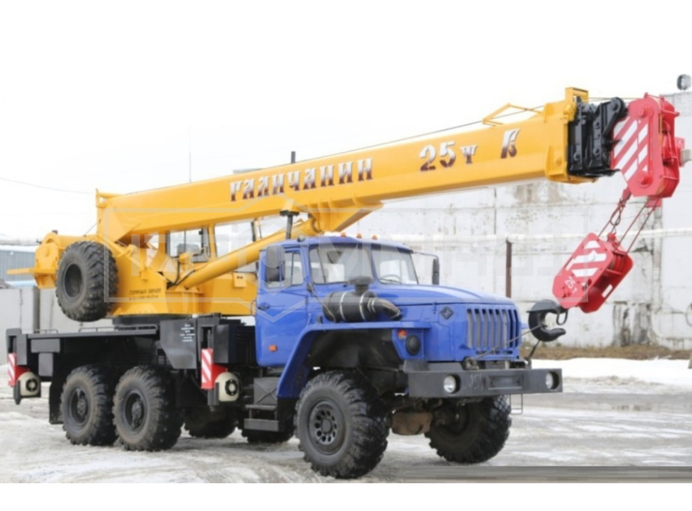Галичанин КС-55713-3В на шасси Урал 5557 (Гексогональная)